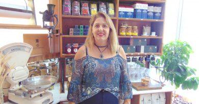 Fernanda Quaio: Conheça a história da distribuidora 'pé quente' do Hiper Saúde