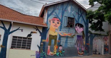 Ana Banana: Sorveteria completa um ano com mural em homenagem à cultura rio-pardense