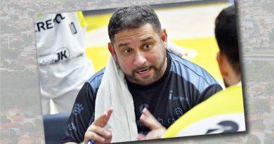 Emerson de Souza: Técnico de basquete está há 15 anos no Paraná