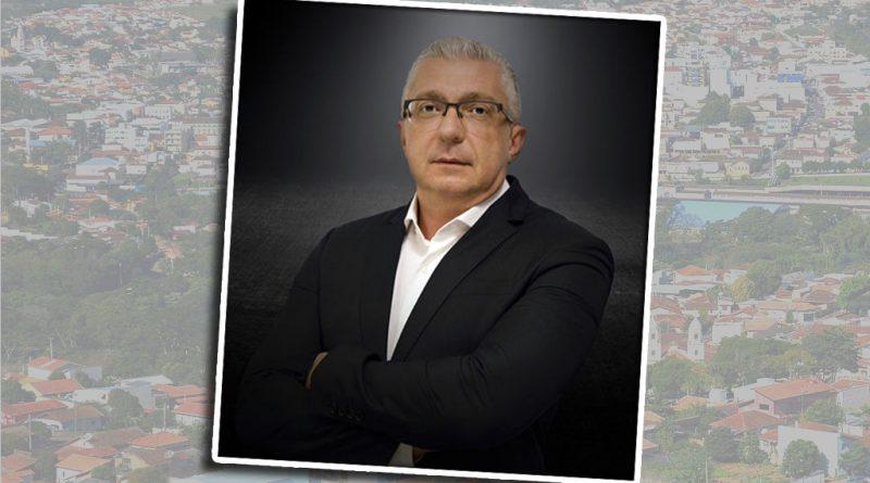 Carlos Giovanelli: Há 24 anos fora de São José, ele é Especialista em Investimentos em São Paulo